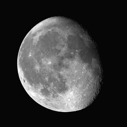 moon_20101224abcde_up.jpg